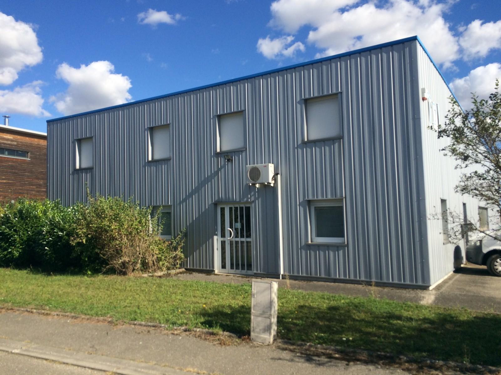 LOCAUX D'ACTIVITES 525 m² - HERRLISHEIM près COLMAR