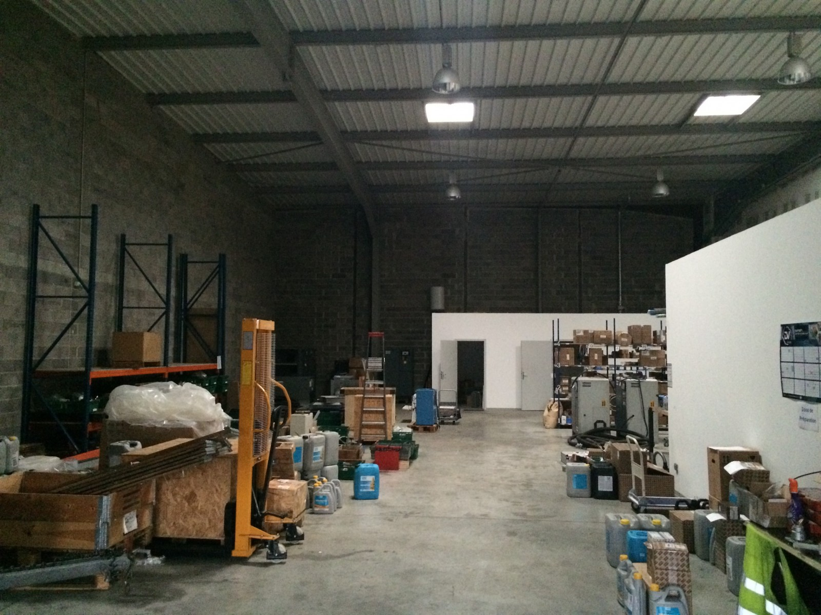 LOCAUX D'ACTIVITES 415 m² dont bureaux - COLMAR
